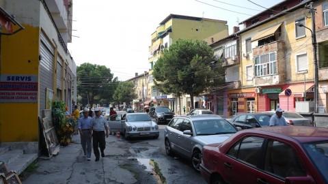 Particolare strada a Tirana.