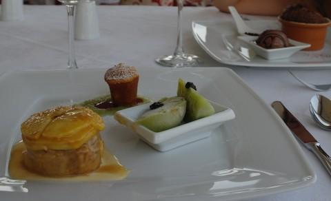 Dessert gustosissimo alle mele a Tirana.