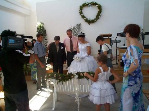 Domenica - lo sposo che va a prendere a casa la sposa