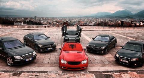Raduno di macchine per i 100 anni dell'indipendenza dell'Albania. Nov 2012.