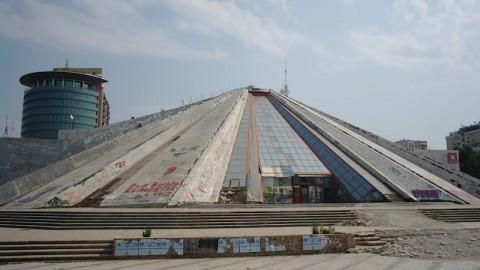 La piramide a Tirana.