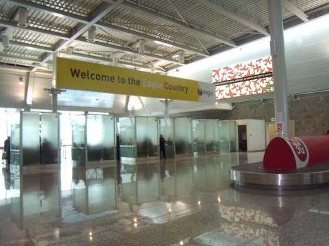 Albania Aeroporto - Interno dell'aeroporto NENE TEREZA a Rinas (Tirana)