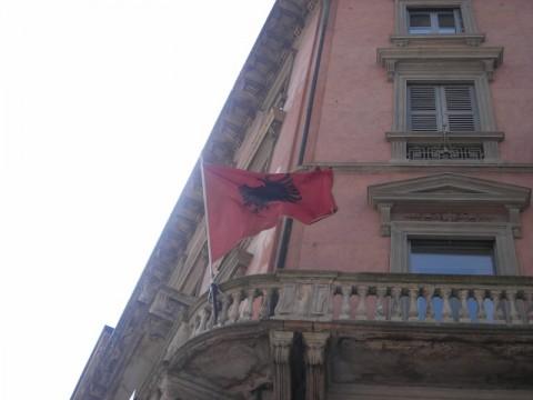 Consolato Albanese a Milano.