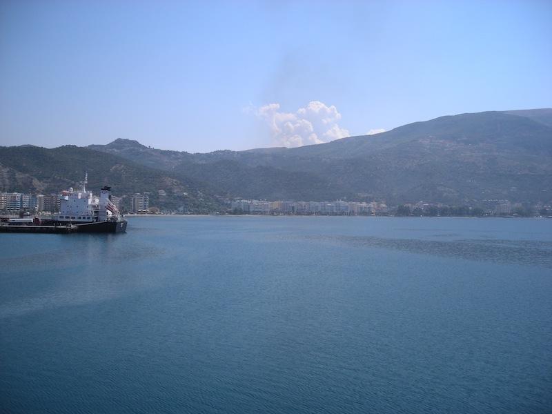 Partenza dal porto di Valona.